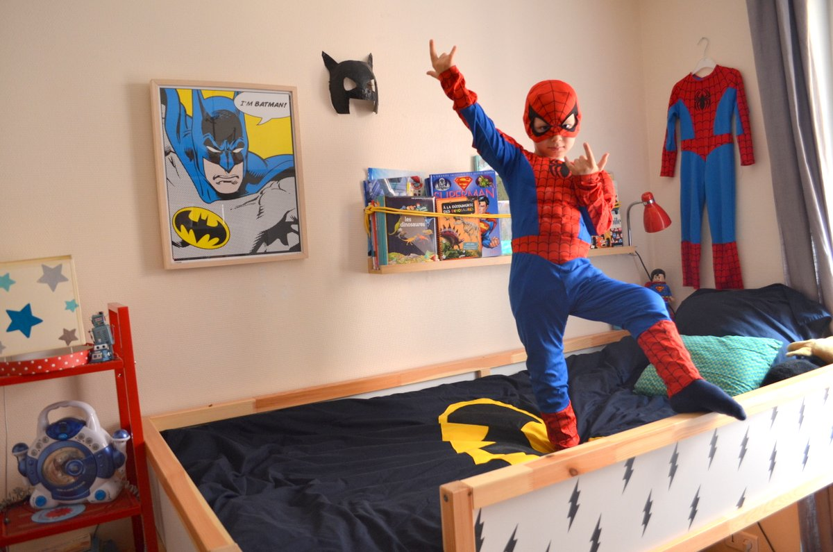Deco chambre bebe super hero