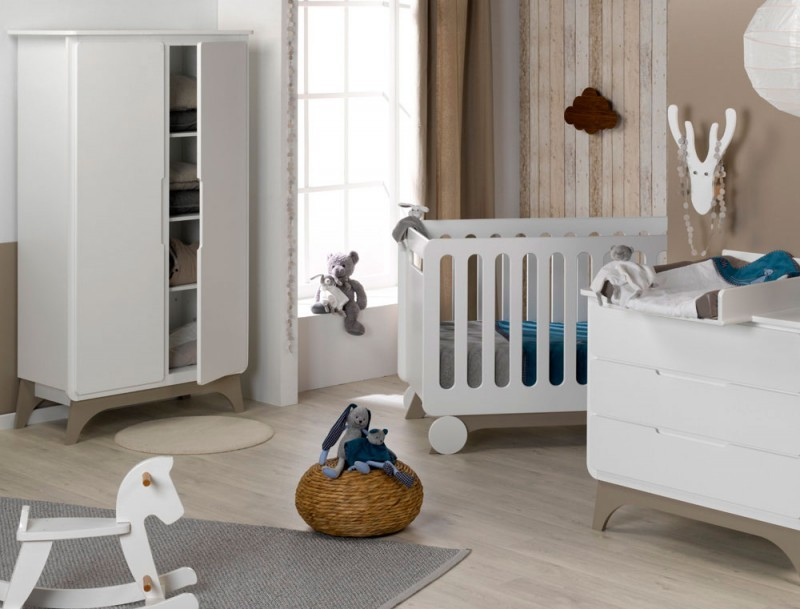 Chambre bebe blanc et taupe
