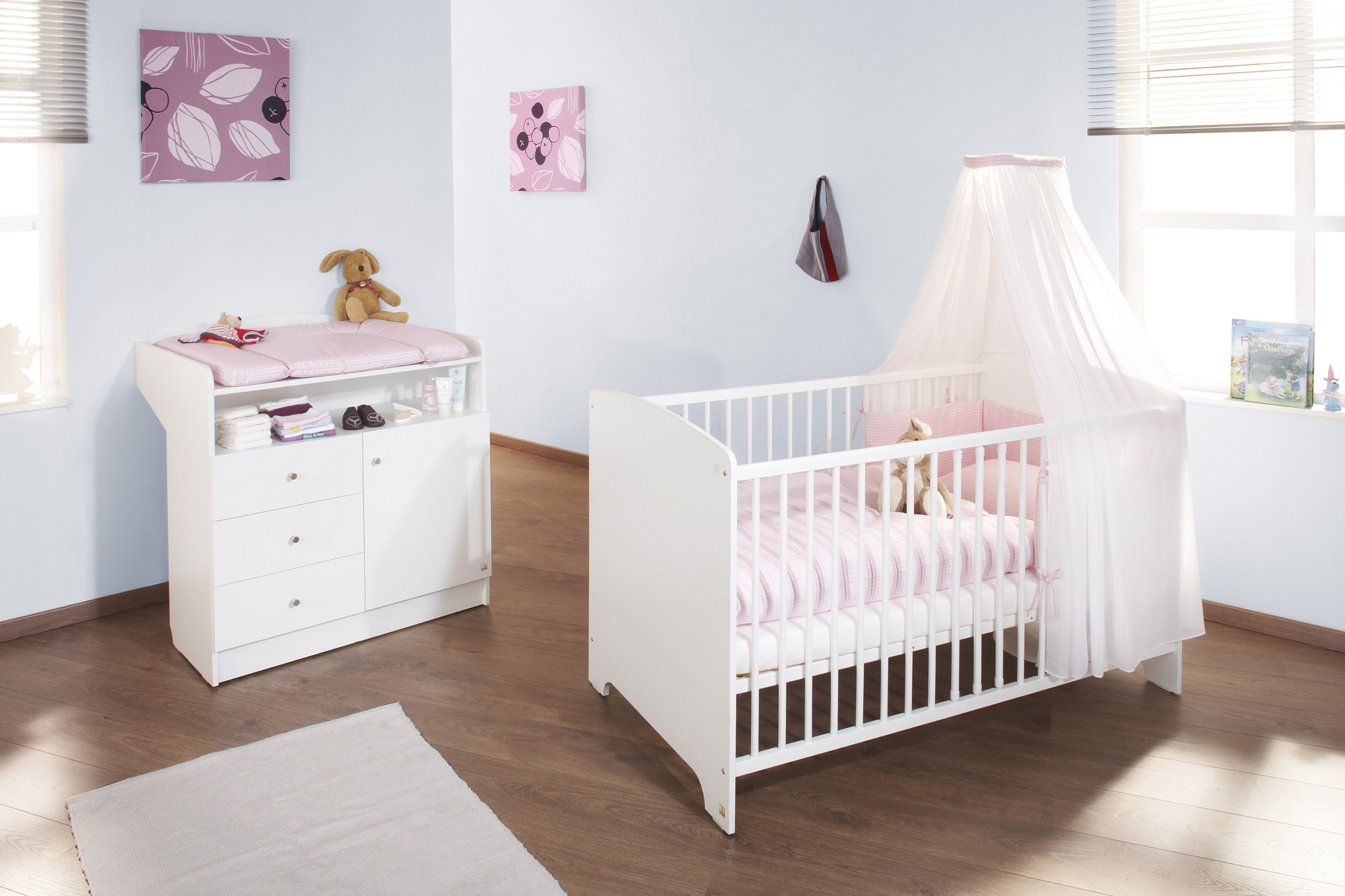 Lit bebe plus commode a langer