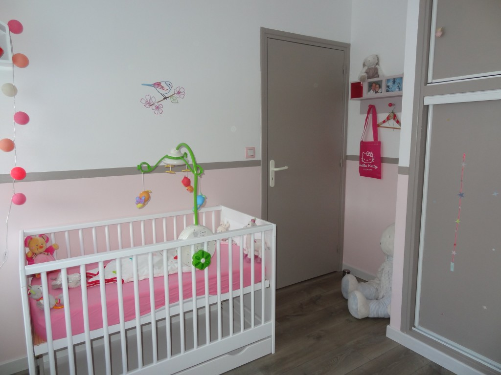 Decoration chambre bebe rose et taupe